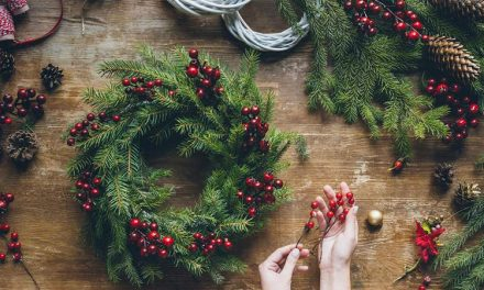 Offline Moment: Christmas Wreath Making