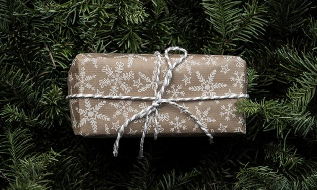 Offline Moment: Donate Unwanted Christmas Gifts