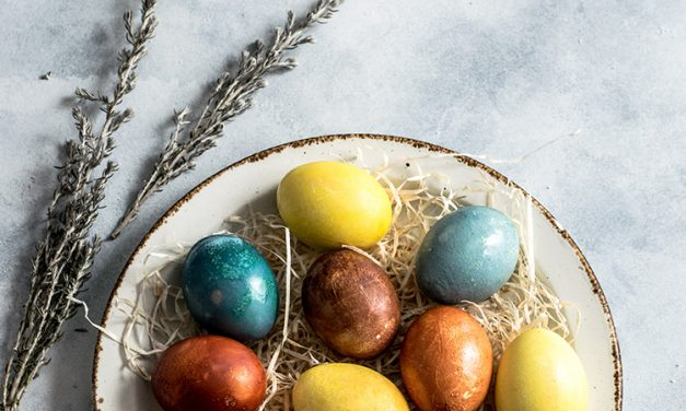 Plastic Free Easter Eggs