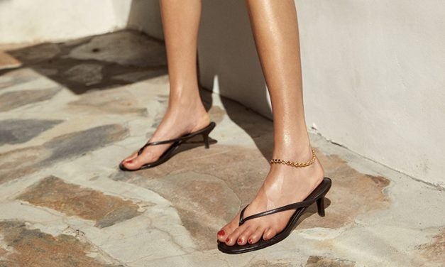 Back to Basics: Black Sandals