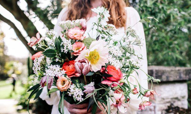 A Guide To Choosing Seasonal Wedding Flowers