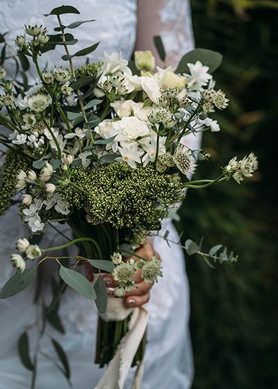Joanna Bongard Wedding Bouquet Using Flowers To Create a Unique Wedding Ultramarine Flowers