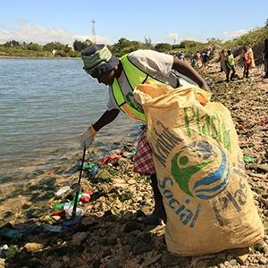 Green Friday LastObject Beach Clean Up Ocean Plastic