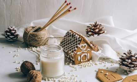Offline Moment: Making Your Own Christmas Decorations