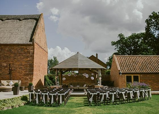 Sustainable Spring Wedding Hannah Mullens Green Soul Weddings Outdoor Wedding Venue UK