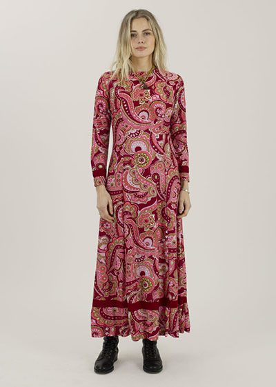Inspiring Prints For Spring Mother Vintage 60's paisley print dress