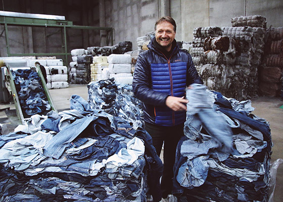 Fashion Brands Using Recycled Fabrics MUD Jeans recycling