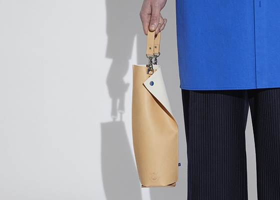 10 Questions for MONO + n.a.v.y Founder Jackie Lee Wine Carrier bag